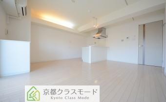 リビングは14.4帖♪白系の明るい室内空間が魅力です!
