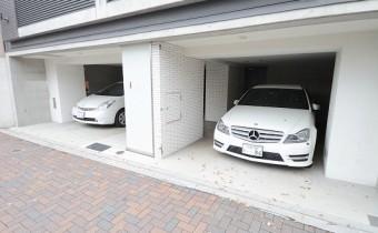 敷地内ガレージ 空きは要:確認