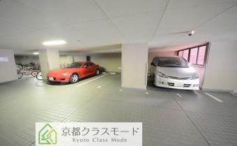 敷地内ガレージ