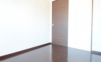 ※室内写真は同マンション内の別のお部屋の写真です。