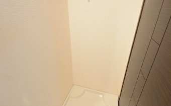 ※室内写真は同マンション内の別タイプのものです。