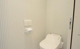 タンクレスウォシュレットトイレ