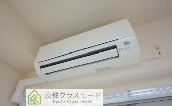 洋室4.9帖のエアコン
