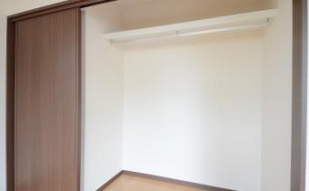 ※室内写真は別号地のものです。