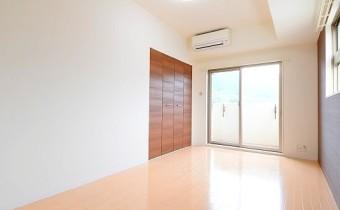 ※室内写真は同マンション内・別タイプのお部屋になります。