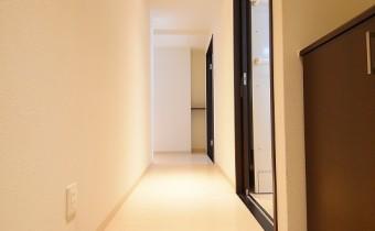 玄関  ※写真は101号室のものです
