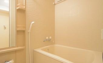 バスルーム ※室内写真は同マンション内の301号室のものです。