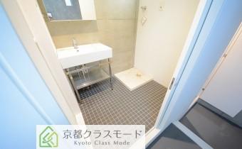 脱衣所 ※室内写真は同マンション内のC号室のものです。
