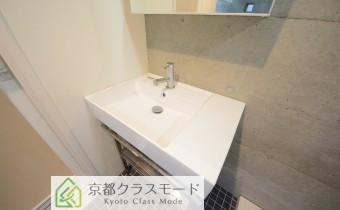 デザイン洗面台 ※室内写真は同マンション内のC号室のものです。