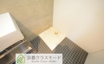 洗濯機置場 ※室内写真は同マンション内のC号室のものです。