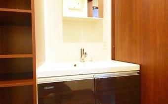 独立洗面台 ※室内写真は403号室の写真です。