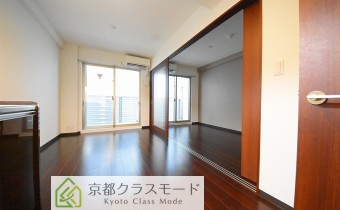 リビング ※室内写真は403号室の写真です。