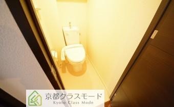 ウォシュレットトイレ ※同マンション内の別のお部屋のものです。参考としてご覧ください。