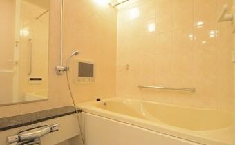 バスルーム ※同マンション内の別のお部屋のものです。参考としてご覧ください。