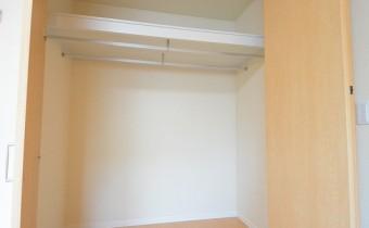 洋室7.5帖のクローゼット