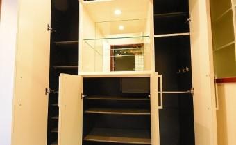 シューズBOX ※室内写真は同マンション内の606号室のものです。