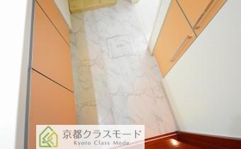 脱衣所 ※室内写真は同マンション内の606号室のものです。