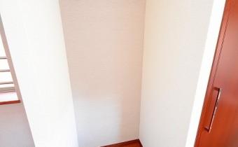 冷蔵庫置場 ※室内写真は同マンション内の606号室のものです。