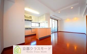 リビング ※室内写真は同マンション内の606号室のものです。