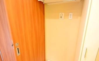 洗濯機置場+収納 ※室内写真は208号室のものです。