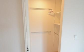 Room 6のウォ―クインクローゼット