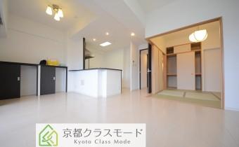 ※室内写真は同マンション内の1022号室のものです。