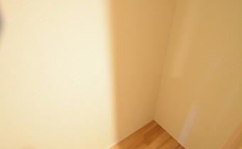 廊下の収納の内部
