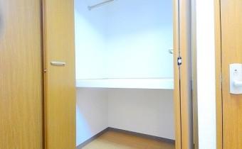 脱衣所の収納スペース