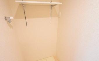 洗濯機置場 ※この写真は同マンション206号室のものです