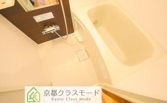 バスルーム(追い焚き機能付き)