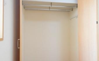 Room 6(右側)のクローゼット