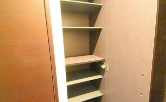 シューズボックス ※室内写真は同シリーズのものです。参考にご覧ください