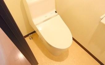 ウォシュレットトイレ ※室内写真は同シリーズのものです。参考にご覧ください