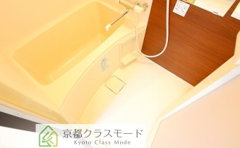 バスルーム ※室内写真は同シリーズのものです。参考にご覧ください