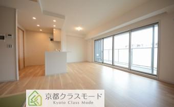 ※室内写真は同マンション内の806号室のものです。