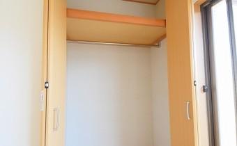 Room 6.44 (東側)のクローゼット