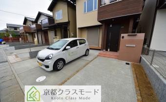 敷地内ガレージ 2台駐車可能!