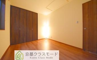 Room 6(真ん中)