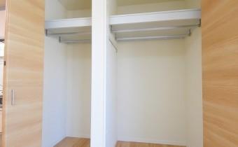 Room 5 クローゼット