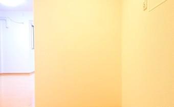玄関 ※室内写真は同マンション内の1Kタイプのものです。