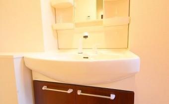 独立洗面台 ※室内写真は同マンション内の1Kタイプのものです。