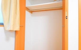 クローゼット ※室内写真は同マンション内の1Kタイプのものです。