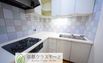 システムキッチン ※室内写真は同マンション内の301号室のものです。