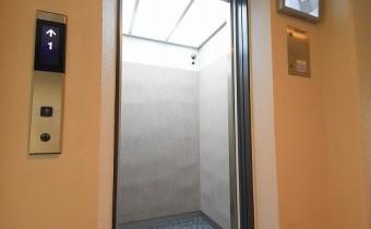 エレベーター ※同施工会社施工の参考写真です。
