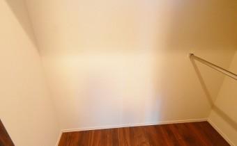 Room 7.7のウォークインクローゼット