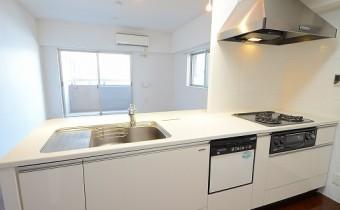 システムキッチン ※同マンション内の別のお部屋のものです。参考としてご覧ください。