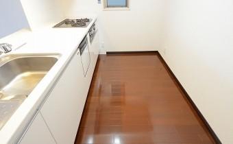 キッチンスペース ※同マンション内の別のお部屋のものです。参考としてご覧ください。