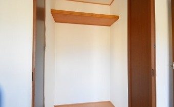 Room 8のクローゼット