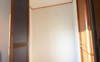 Room 6(西側)のクローゼット