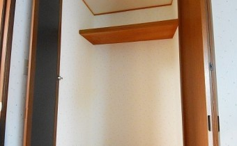 Room 6(東側)のクローゼット